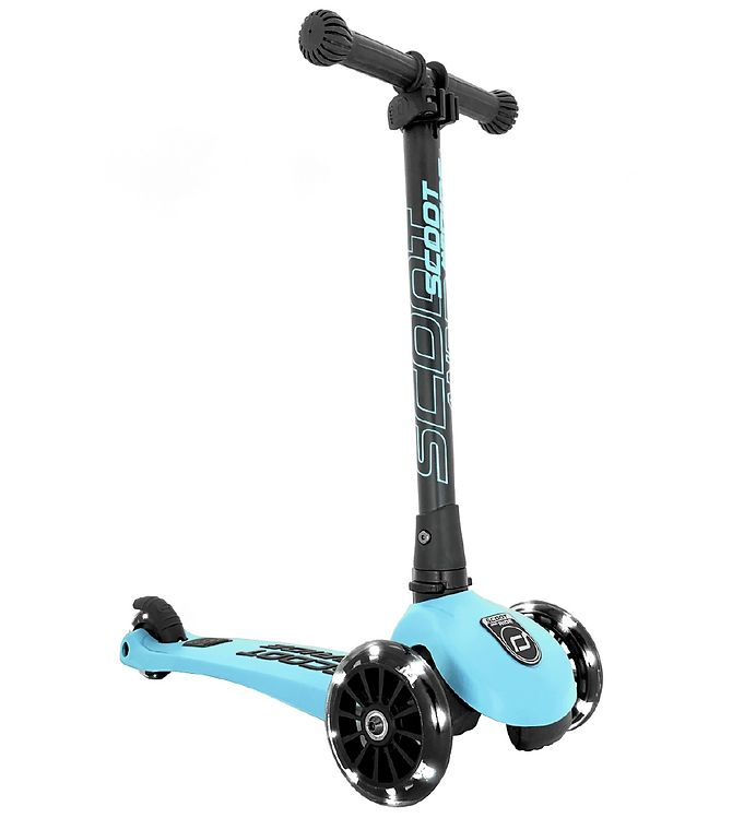 Image of Scoot and Ride Highway Kick 3 - LED - Blueberry (TG092)